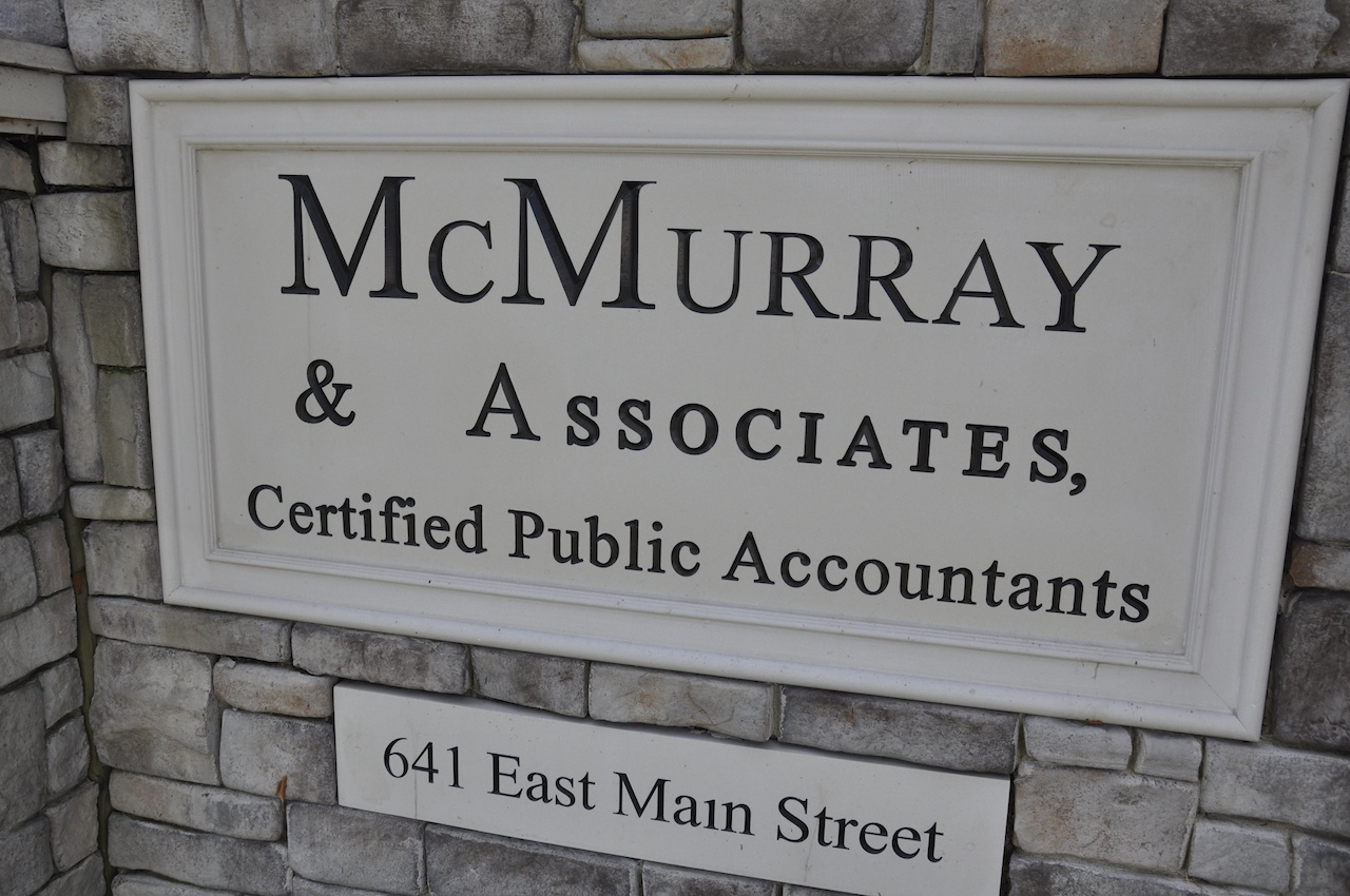 Certified Public Accountants Hendersonville TN McMurray and Associates sign